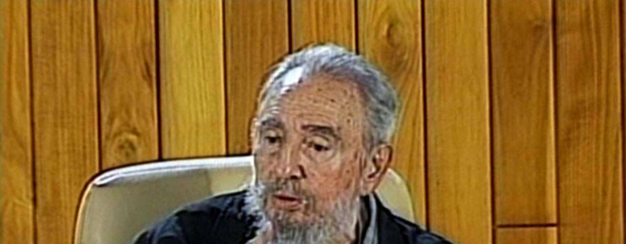 15 de febrero de 2011: Durante un encuentro con escritores cubanos y extranjeros que asisten a la Feria del Libro de La Habana.