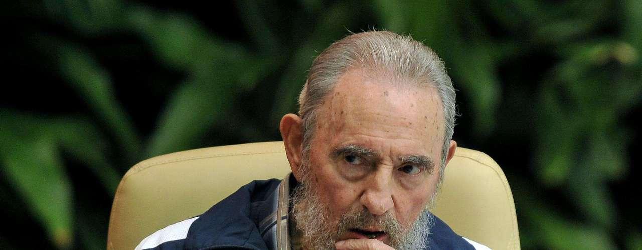 19 de abril de 2011: Asistió a la sesión final del 6° Congreso del Partido Comunista Cubano en el Palacio de Convenciones en La Habana.