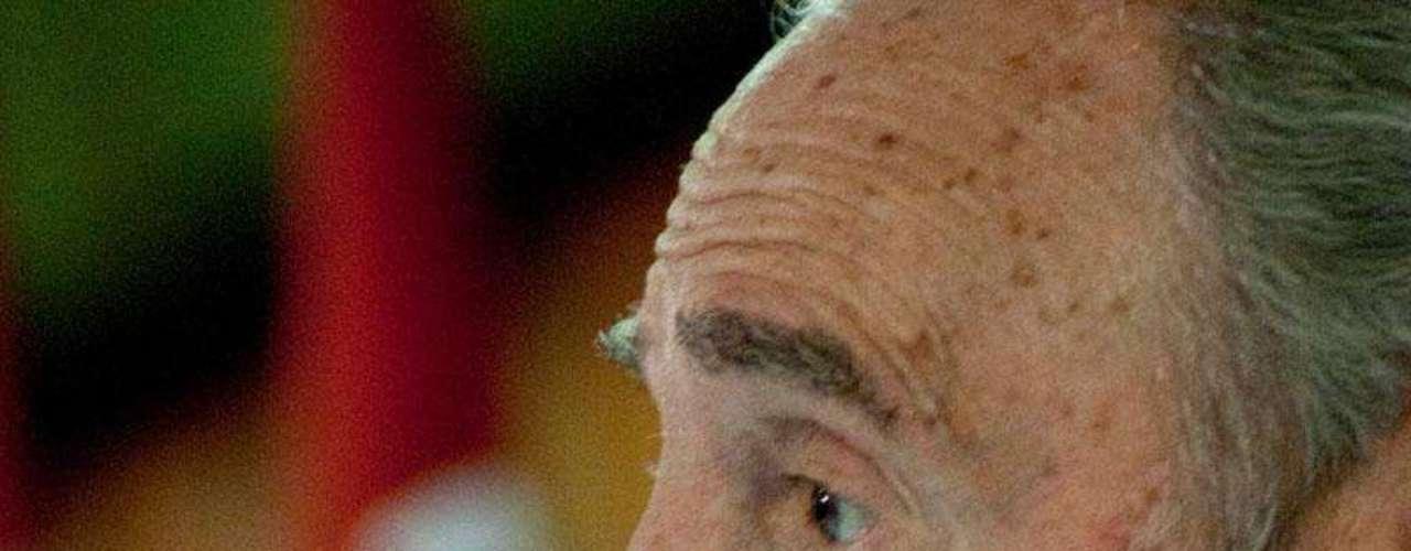 2 de agosto de 2010: Presenta ante históricos Comandantes de la Revolución \