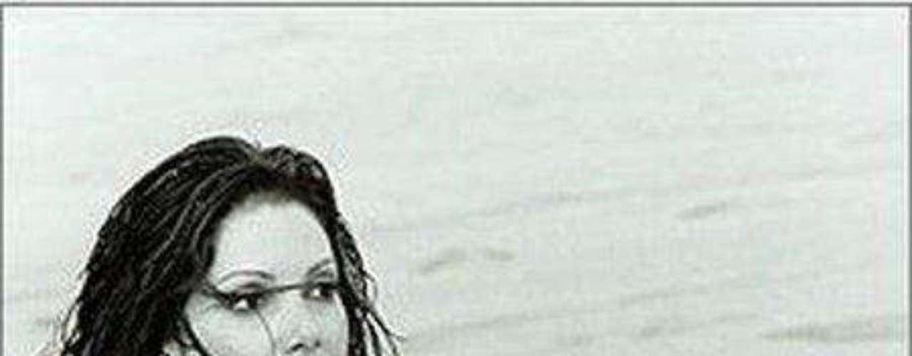 Natalie Laughlin. En un mundo que está acostumbrado a ver modelos delgadas y en que el prototipo ideal para los reinados es de una mujer con medidas 90-60-90, las agencias de publicidad, las revistas y los diseñadores han empezado desde hace un tiempo a verle potencial a las tallas grandes y a reflejar el otro porcentaje de mujeres con talla superior a la 12 que son igualmente hermosas y atractivas