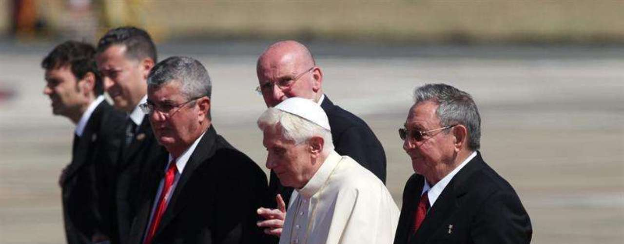 La visita de Benedicto XVI busca fortalecer a la iglesia Católica como interlocutora política del gobierno comunista de la isla, mientras que muchos esperan que su arribo impulse los cambios económicos, sociales y políticos que ya están en marcha.