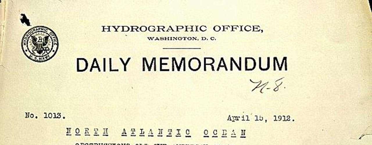 Memorándum de la Marina de los EE.UU. de la presentación del informe de la colisión del Titanic con un iceberg.