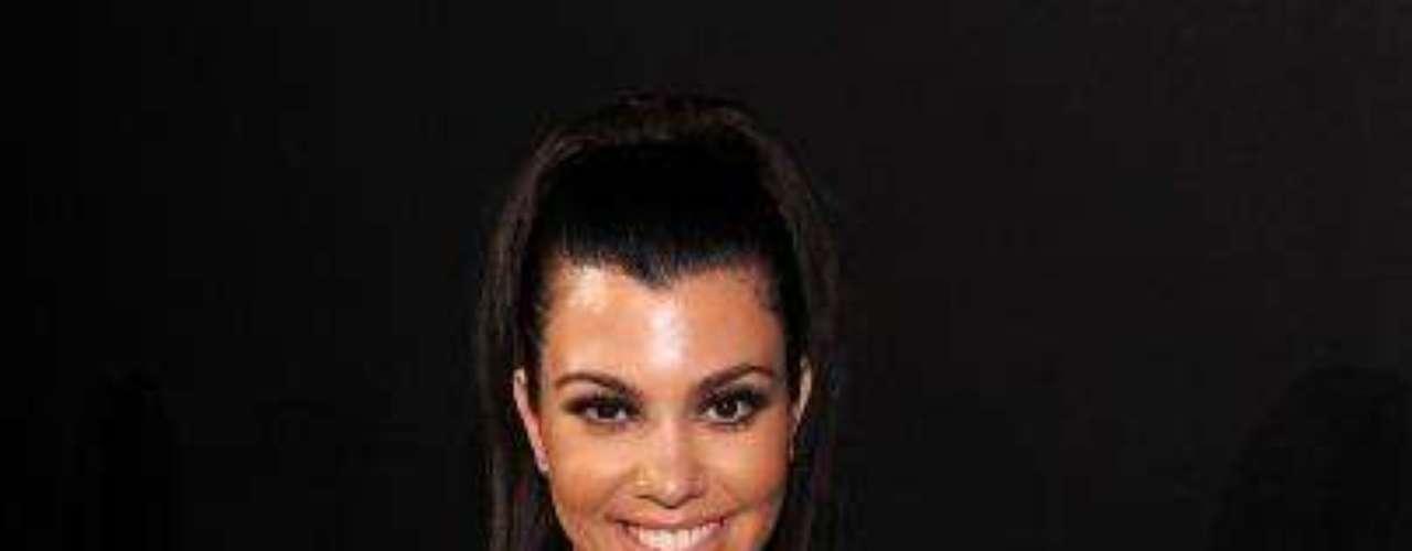 8. Kourtney Kardashian. Otra de las populares hermanas se hace un espacio en la lista.