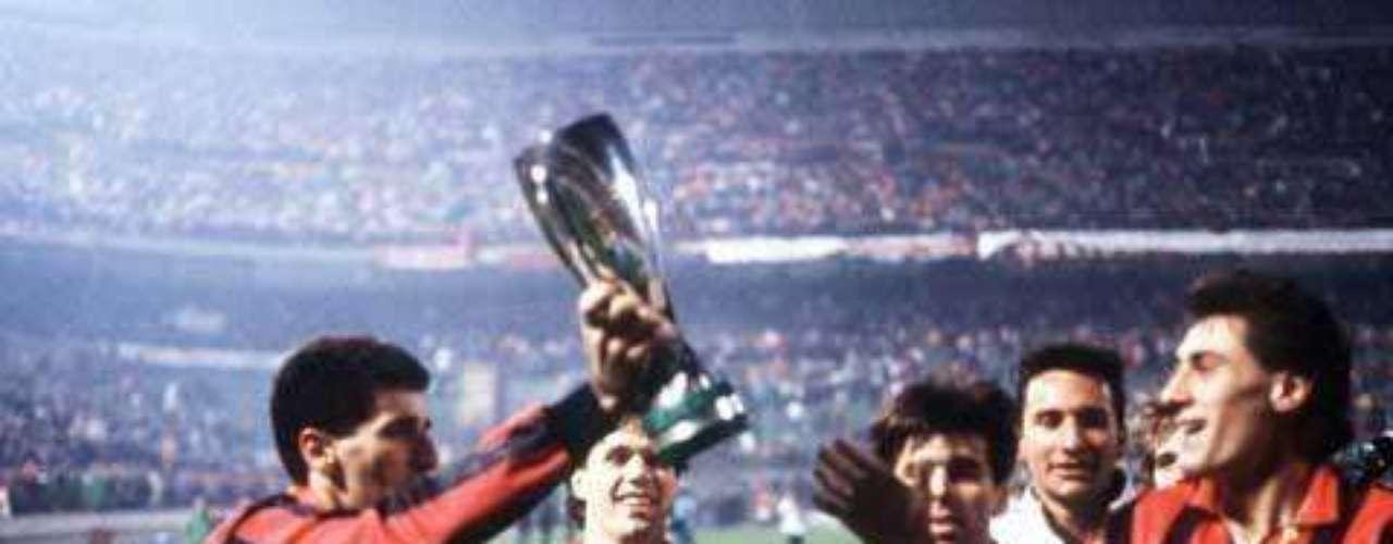 Un solitario gol de Rijkaard bastó para la conquista del cuarto título del Milan en la final del 90 ante el Benfica disputada en Viena