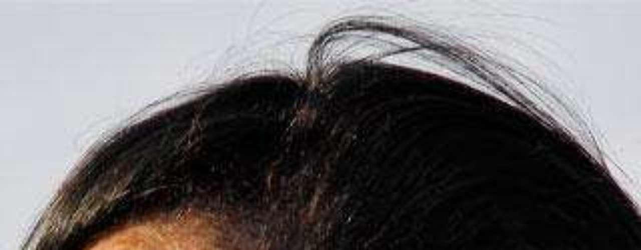Rihanna luce ahora uno de los lados de la cabeza rapados. e