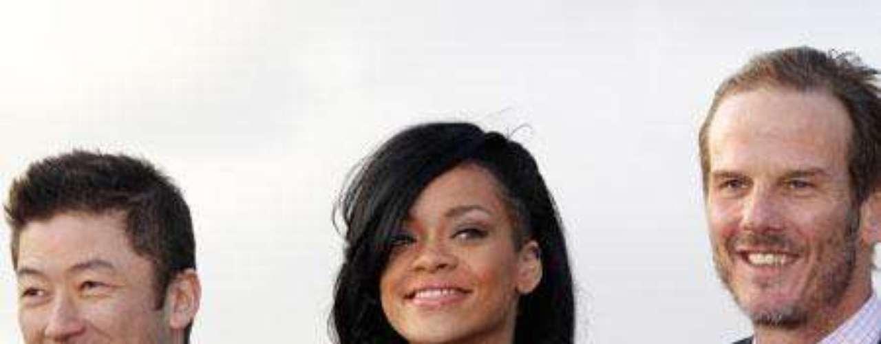 Rihanna ha estrenado nuevo look en Japón.