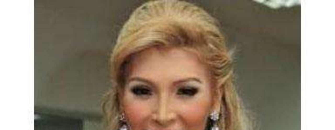 La decisión de Miss Universo Canadá supone un giro de 180 grados con respecto a lo inicialmente anunciado por los organizadores y se produce pocos días después de que Talackova contratase al abogado Joseph Arvay.