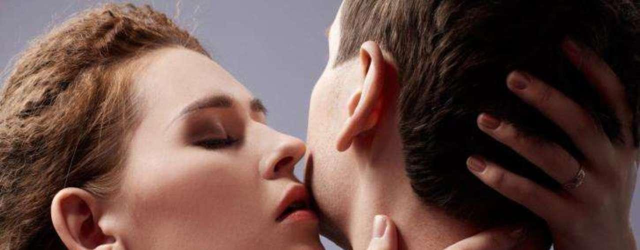Tabúes sexuales. Respecto a los tabúes sexuales, también se encuentran varias sorpresas. Ante la pregunta de qué consideran las mujeres sexy, aunque realmente no les excite nada, un 40% respondió que le chupen los pezones. Un 18% opinó que no es nada sexy que una mujer se desnude y después le diga que no puede tocarla, y un 12% afirma que no le excita nada que una chica le acaricie todo el cuerpo excepto el pene. Cabe decir también, que un 22% de varones respondió que todo es sexy.