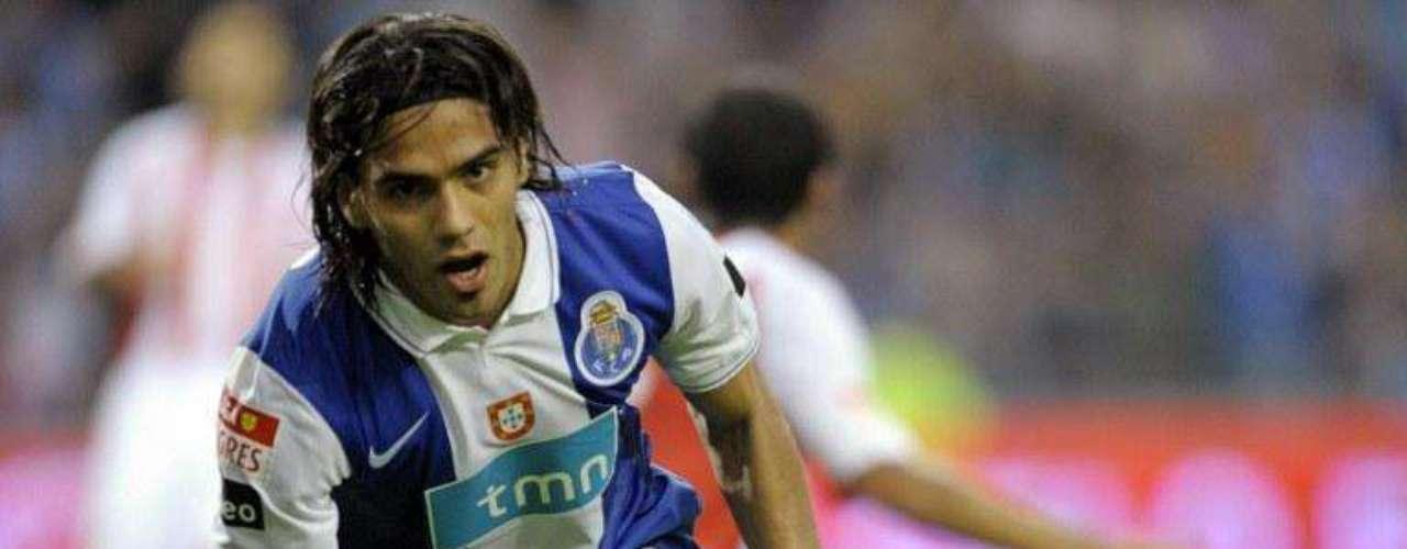 Apenas llevaba cuatro fechas en Portugal y conseguía su cuarto gol, sin duda, su cambio al fútbol europeo poco le afectó y siguió marcando goles, esta vez, ante Lexoies en casa para sellar la victoria 4-1.