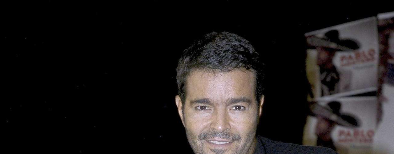 """Pablo Montero a la par que promociona su nuevo disco podría  volver a las novelas, pues según reseña la página Regionalmex.com ha estado en pláticas con el productor de """"La Hija del Mariachi"""", quien le ofreció el papel protagónico."""