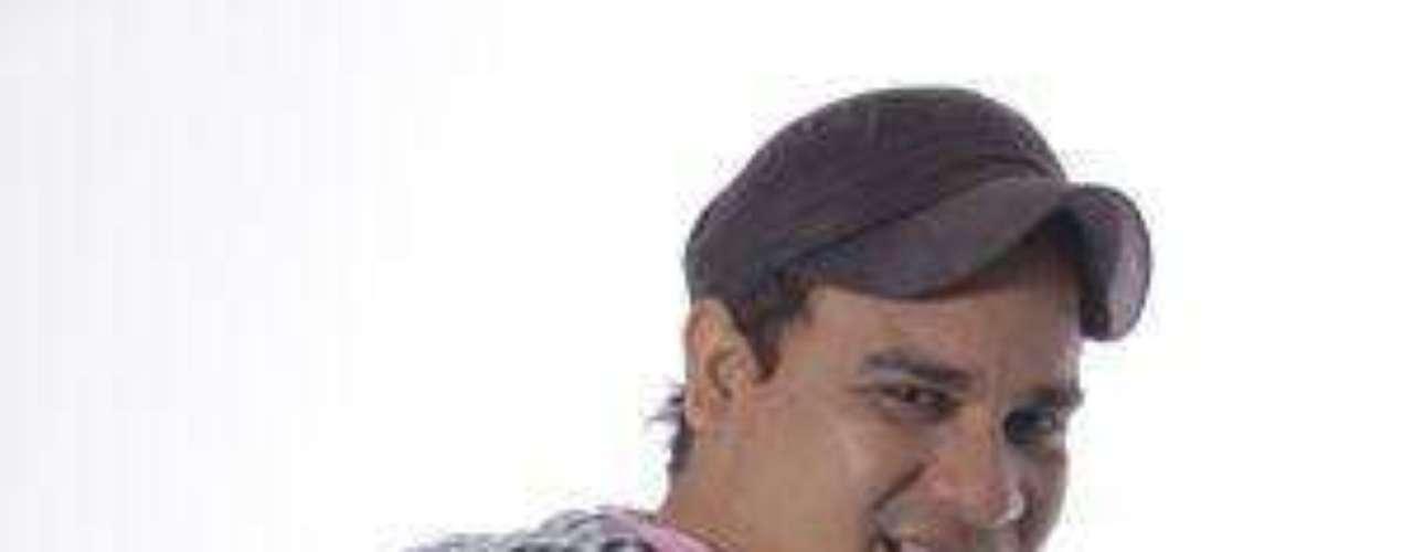 Pipe Peláez Es de Cereté, Córdoba, confiesa que su mayor reto ha sido enfrentarse con el otro imitador de Pipe Peláez así como ser juzgado y escogido por el verdadero cantante vallenato. Antes de Yo me llamo cantaba en bares, en misas y en fiestas infantiles. Quiere hacer su propia música y ser el orgullo de su pueblo.