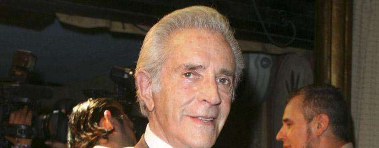Julio Alemán nació el 29 de noviembre de 1933 en Morelia, Michoacán.