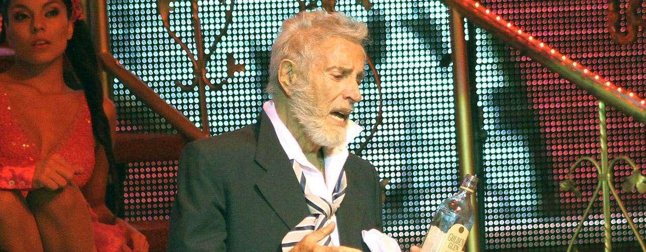 Una de las últimas actuaciones en teatro de Julio Alemán fue el montaje 'Perfume de Gardenia', que tuvo que abandonar debido a sus problemas de salud.