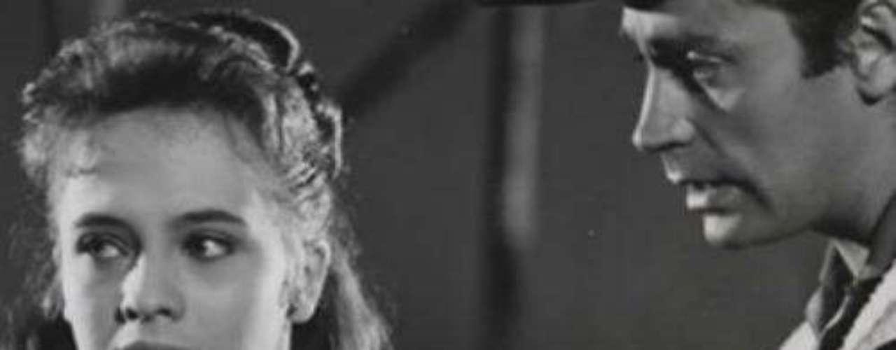 Donde compartió créditos estelares con la actriz Patricia Conde.Síguenos en:     Facebook -   TwitterFallece el primer actor mexicano Julio AlemánActores que murieron en 2011