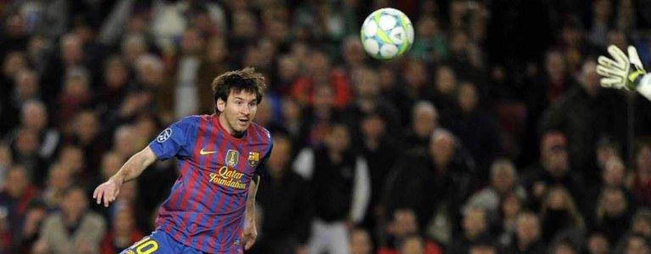 El arquero del Bayer Leverkusen fue uno de los que más perjudicado se vio con las definiciones del argentino, por la Champions, Messi consiguió marcar nuevamente de globito.