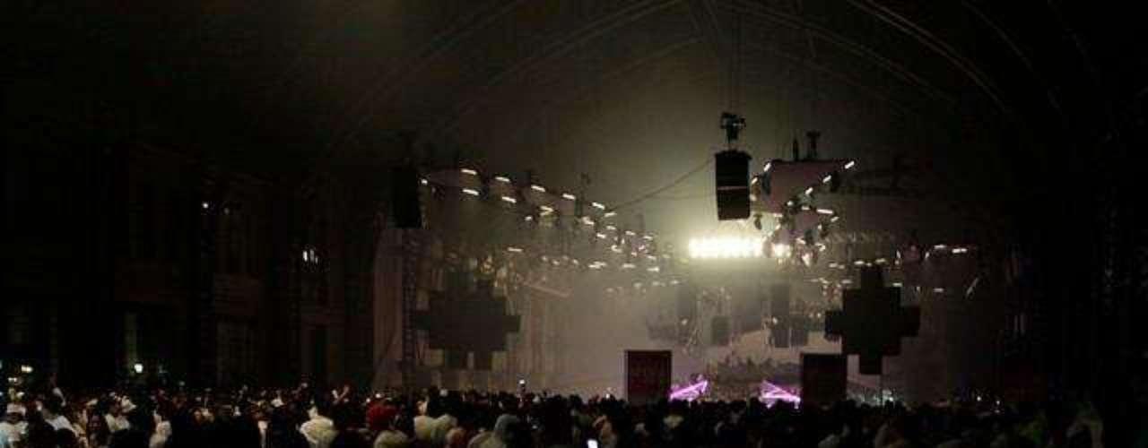 Figuras como Catalina Pulido, Francini Amaral, Andrea Dellacasa y Janis Pope, entre varias más, asistieron a la quinta versión de la fiesta Sensation White en Santiago, efectuada en la Estación Mapocho.