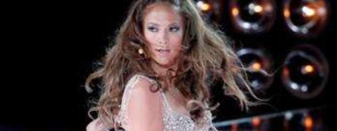 Mucho ritmo y sabor le imprime la exótica cantante a sus presentaciones.
