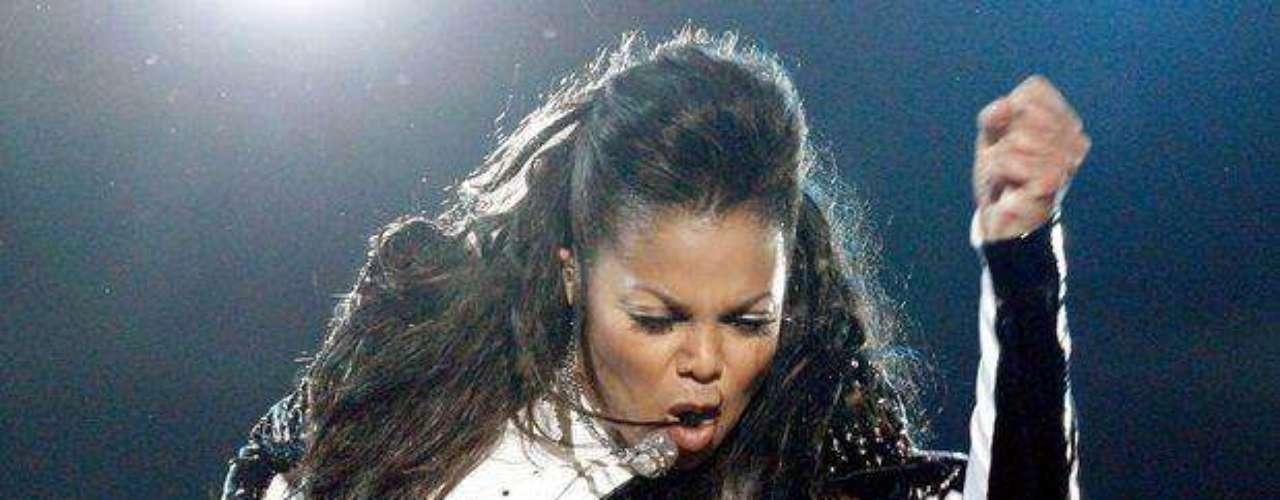 Janet Jackson irradia mucho sex-appeal cuando entona sus temas.