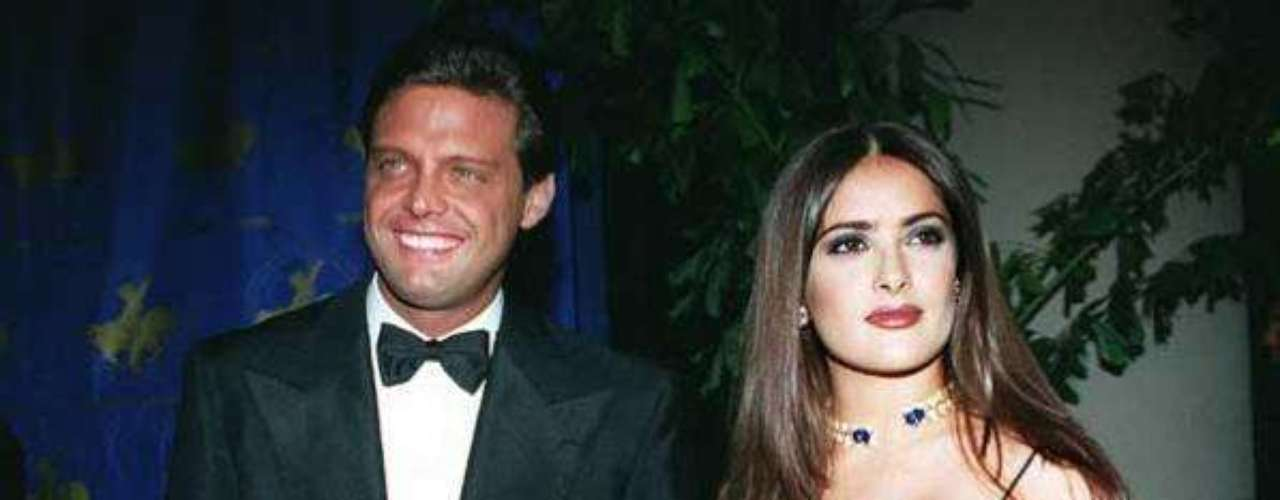 Salma y Luis Miguel fueron juntos a la ceremonia de entrega del Oscar en 1997. Eran los inicios de la mexicana en Hollywood y su relación con El sol la ayudó a acaparar la relación de la prensa. El romance se apagó, pero contrariamente, la carrera de ambos se encendió internacionalmente.