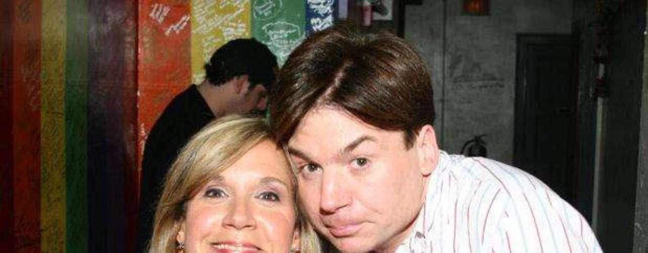 Uno de los más aplicados. Charna Halpern al lado de Mike Myers, uno de sus estudiantes más célebres.