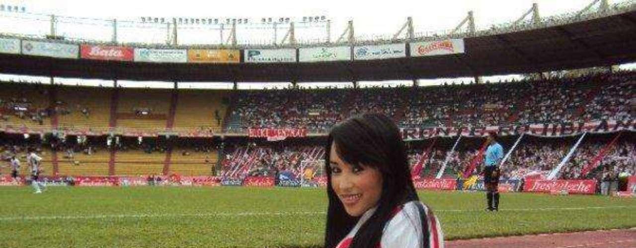 Las porristas del Junior de Barranquilla han dejado con la boca abierta a todos los hinchas del fútbol con sus curvas y hermosura.