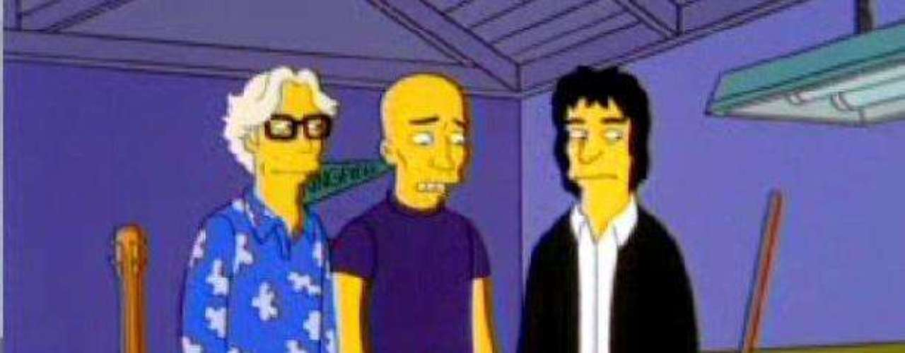 R.E.M. cantó en el bar que montó 'Homero' en su garage.