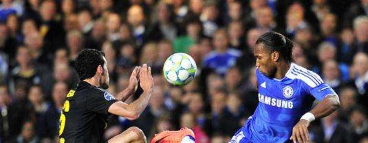 DROGBA GRAN DUDA: el marfileño del Chelsea será incógnita  hasta el final por un problema en la rodilla. De hecho, no jugó en la última fecha de la Premier League.