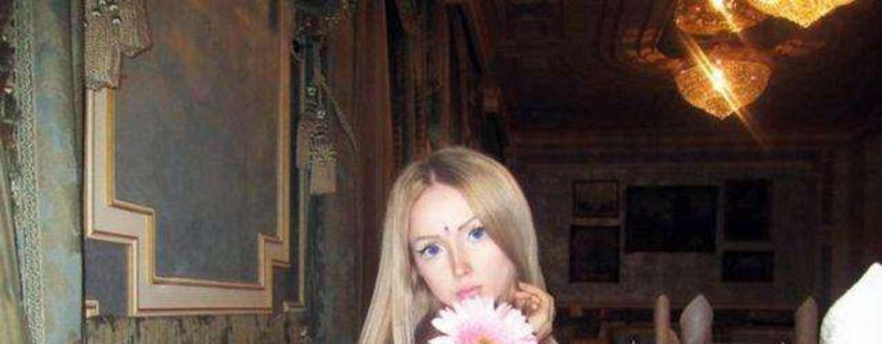 ¿Será Lukyanova  la nueva muñeca de Mattel... viviente?