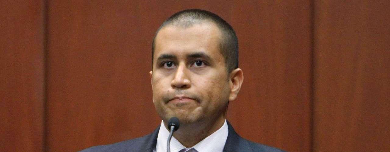 Antes de salir de prisión, Zimmerman ha tenido que garantizar el pago de esa fianza, muy superior a los 15.000 dólares (11.400 euros) que había propuesto su abogado y muy inferior al mínimo de un millón de dólares (760.000 euros) que pedía la Fiscalía. Además, se ha tenido que comprometer a cumplir otras condiciones impuestas por el juez, como que estará siempre localizado por GPS, que no mantendrá contacto con la familia de la víctima, que se comunicará con las autoridades cada tres días, que no portará armas de fuego y no consumirá medicamentos o drogas, salvo por prescripción médica. (Fuente: EFE)