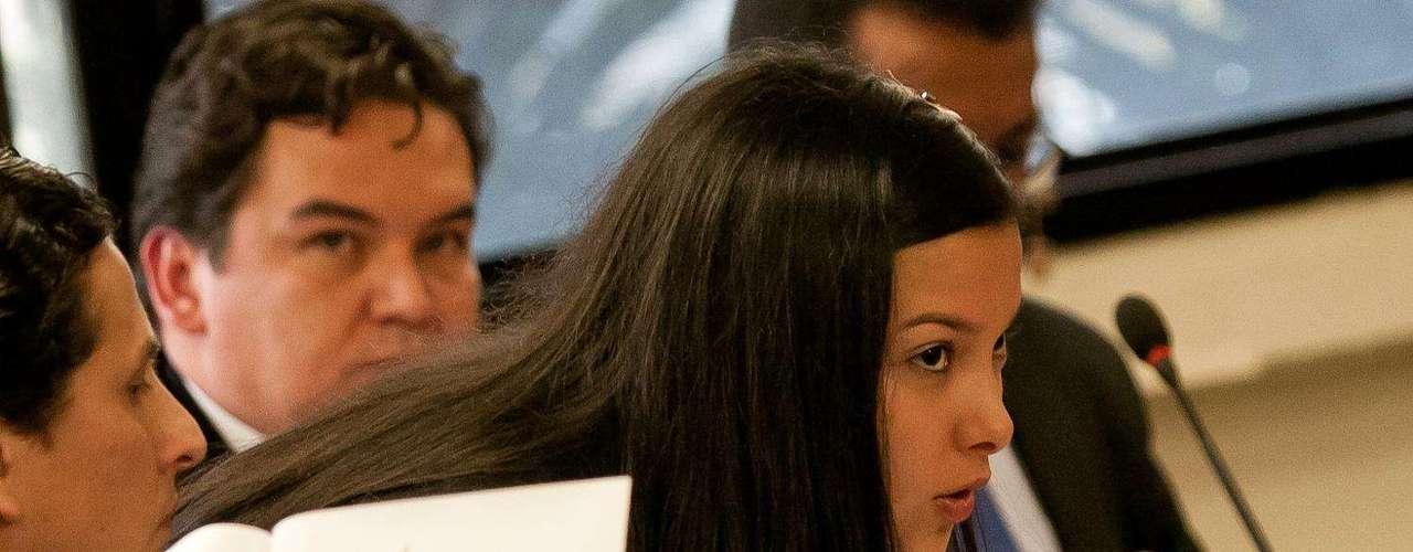 Si bien a juicio del responsable de la Fiscalía 11 de la Unidad de Vida expone que el Tribunal Superior de Bogotá se extralimitó en sus funciones debido a que a su juicio se habría anulado un acto procesal de facto como lo es la imputación de cargos y acusación en contra de las dos estudiantes de la Universidad de los Andes, lo cierto es que en el ambiente queda la duda sobre el tiempo aparentemente excesivo que se tomó González en presentar el recurso.