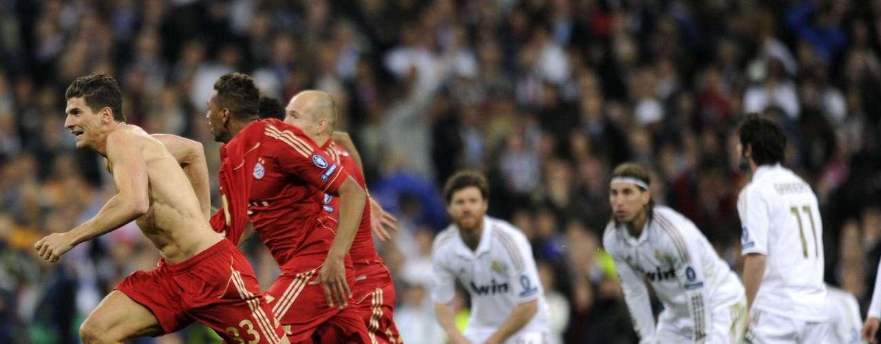 El Bayern de Múnich clasificó a la final de la Liga de Campeones al imponerse 3-1 en la tanda de penaltis al Real Madrid, pese a ganar de que el club merengue ganara 2-1 en los 90 minutos reglamentarios y la prórroga de un partido épico de semifinales del torneo continental.