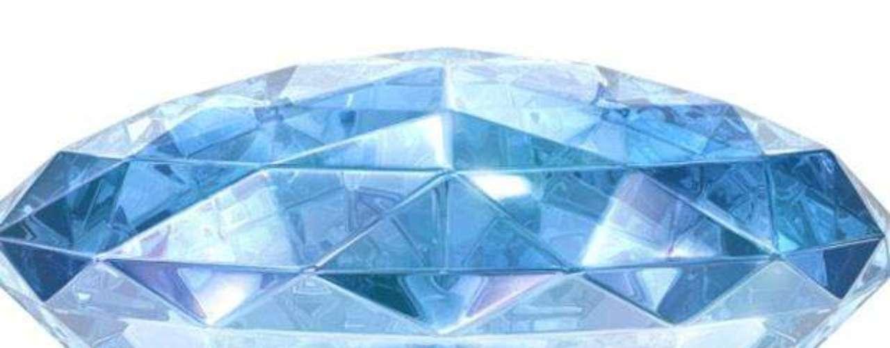 El diamante Wittelsbach de 35.56 quilates data del siglo XVII cuando el rey Felipe IV de España lo eligió como regalo para su hija. Después de pasar de mano en mano entre la realeza de Austria y Baviera durante siglos, en el 2008 fue subastado por la casa Christie's por 23,4 millones de dólares.