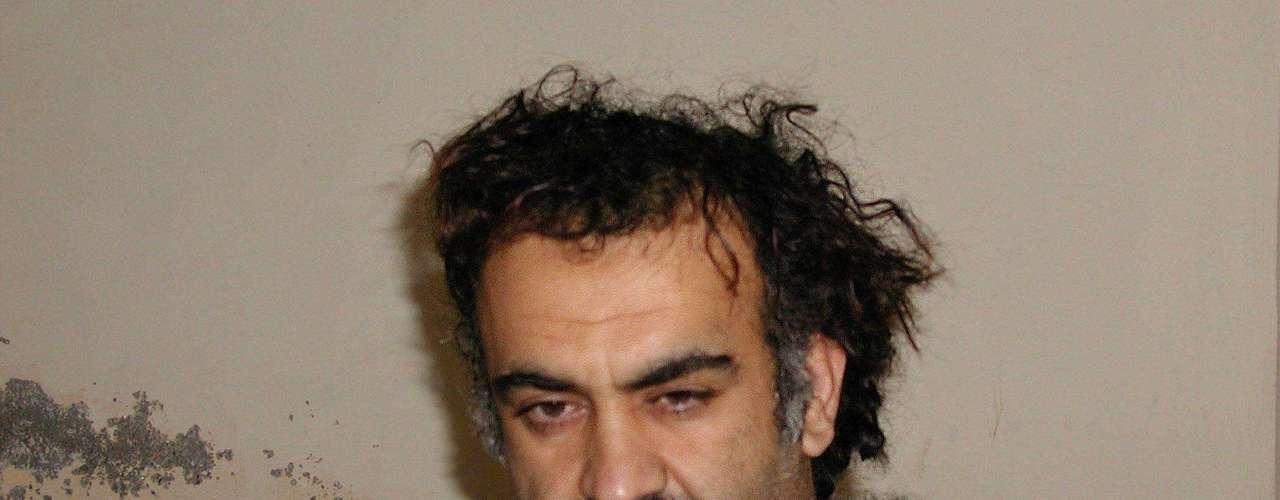 25 de marzo de 2010 –Un año antes de dar con Bin Laden, el extremista dijo que su organización asesinaría a cualquier estadounidense si el cerebro del 9/11, Khalid Sheikh Mohammed, era condenado a pena de muerte. El audio se dio a conocer por la cadena  Al Jazeera.