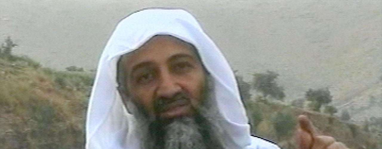 La cadena MBC difundió un video en donde aparece el líder terrorista el 17 de abril del 2002.