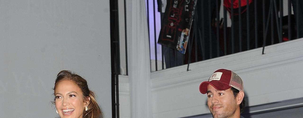 Los iconos de la música Enrique Iglesias, Jennifer López y Wisin & Yandel se reunieron hoy en un club de Hollywood (Los Ángeles) para anunciar una gira conjunta por Norteamérica este verano, que dará comienzo el próximo 14 de julio.