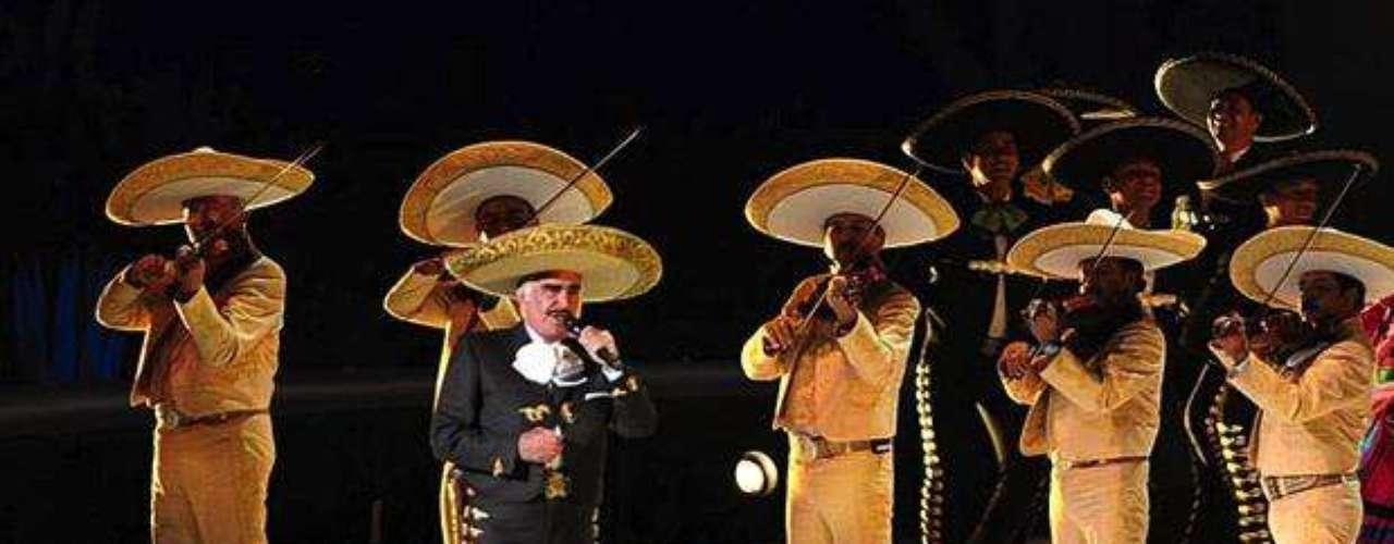 Vicente Fernández anunció las fechas de su gira de despedida por Estados Unidos. El cantante iniciará su último tour por la tierra del \