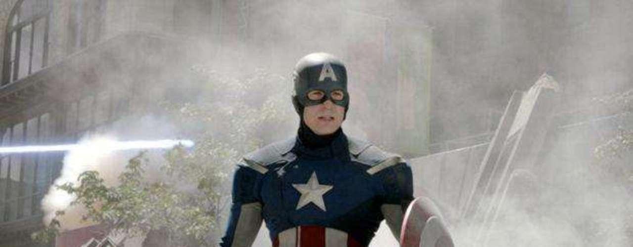 Chris Evans es el Capitán América.