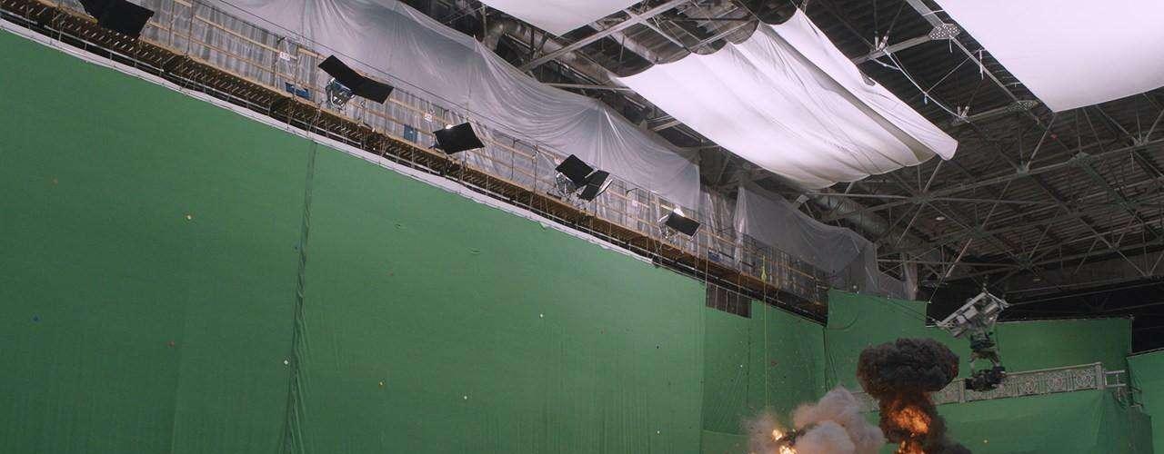 Varias escenas del film, fueron registradas sobre pantallas verdes, que luego son remplazadas por diferentes escenarios. Lo encargados de montar estas imágenes estuvieron a cargo de los supervisores de VFX Dan Rosen y Matt McDonalds. Junto a ellos, la compañía Evil Eye completó la ambientación agregando detalles para el cielo, agua, luces y otros efectos, digitalmente.