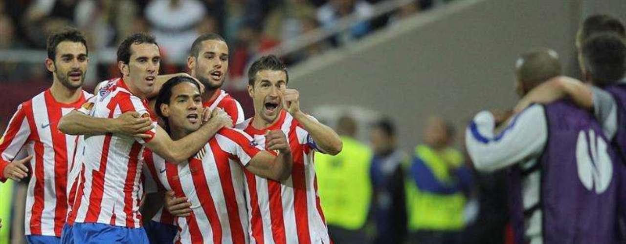 Sus goles llegaron al minuto 7 y 34 de la primera parte, Falcao fue elegido como el jugador de la final en Bucarest y consigue ser el primer futbolista en ser goleador durante dos temporadas consecutivas