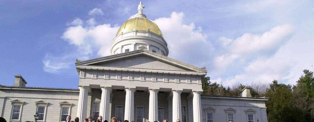5. NEW HAMPSHIRE- Se aprobó el 29 de abril de 2009. El gobernador John Lynch firmó la ley aprobada por la legislatura que dejaba claro que las iglesias no estaban obligadas a celebrar matrimonios entre parejas del mismo sexo.
