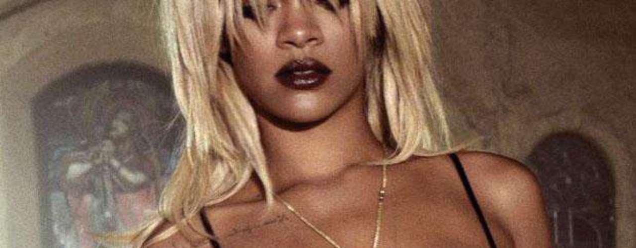 La cantante de Barbados está conforme con su anatomía y en ningún momento duda en mostrarla.