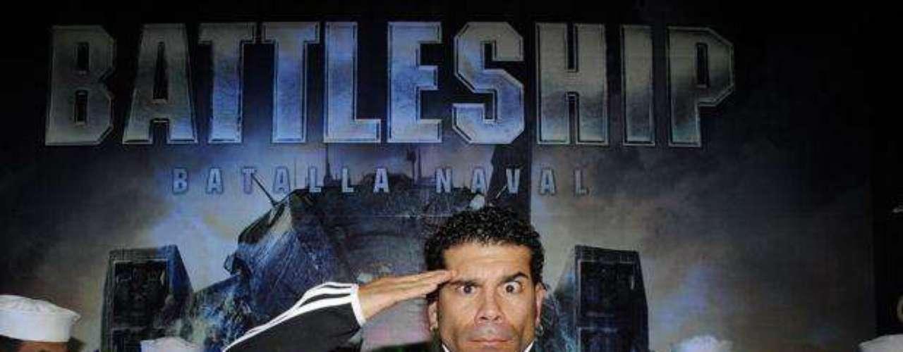 """Carlos Barraza en el Avant Premiere de """"Battleship""""."""