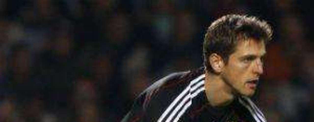 El alemán Hans Jörg Butt, quien juega para el Bayern Munich, acumula 28 goles.
