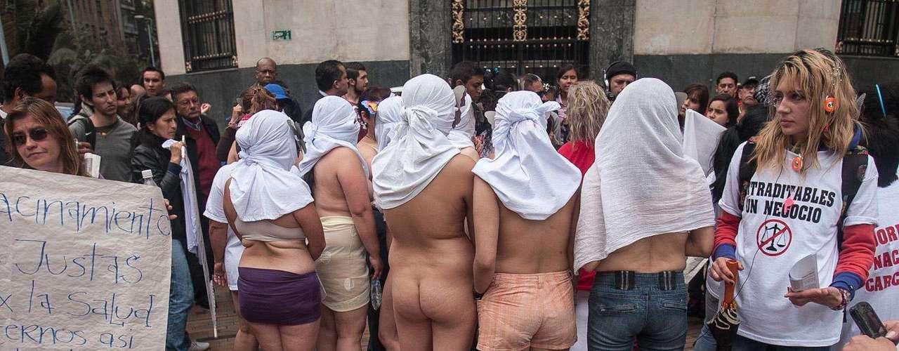 Recintos carcelarios con apenas 10 meses de inaugurados como el de Guaduas tiene la tasa de suicidios más grande del país, seguida de los problemas de hacinamiento que ya son costumbre en Medellín y Bogotá.