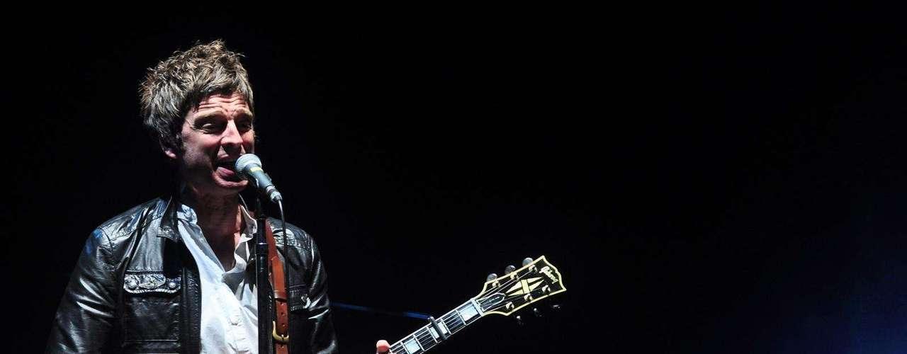 El exguitarrista de la banda británica Oasis, Noel Gallagher, emocionó a sus fans con las canciones de su antigua agrupación y los temas de su reciente disco solista. Durante casi una hora y media, los amantes del britpop y los incondicionales del \