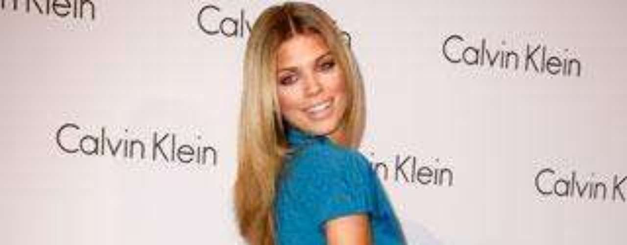 Analynne McCord.