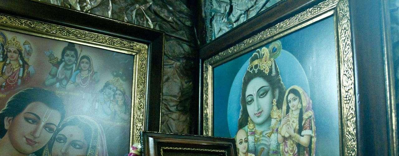Esta es la apariencia de Krishna. Aseguran que Dios es uno solo al que todos los seres humanos nombran de forma diferente.