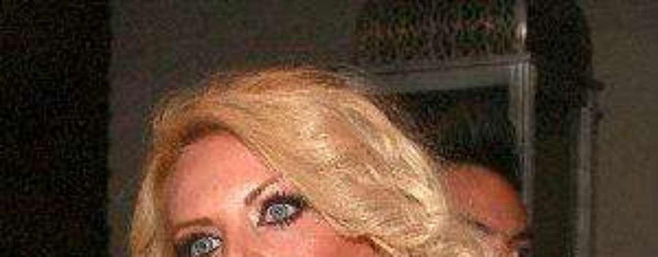 Lorena no es que sea la menos talentosa de todas pero... ¿ha sido realmente exitosa en algo?  'Pos no', diría la vecina.Síguenos en:     Facebook -   TwitterLas curvi-mamacitas de las novelasEstrellas de novela que se han desnudado en Playboy¿Amistades peligrosas? Actrices salpicadas por el narcoAmores de telenovela, convertidos en realidad