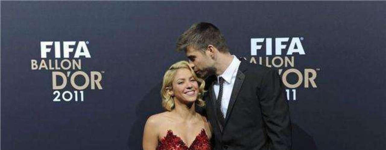 Si 2011 fue el año del amor, el 2012 ya no ha sido tan idílico. Shakira descubrió una fotos de mujeres desnudas en el celular de su adorado Piqué.