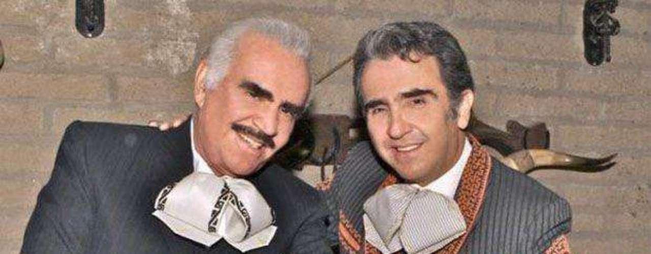 """Vicente Fernánde Jr. está orgulloso de formar parte de la historia de su padre, gracias al disco """"Los Dos Vicentes"""". \"""